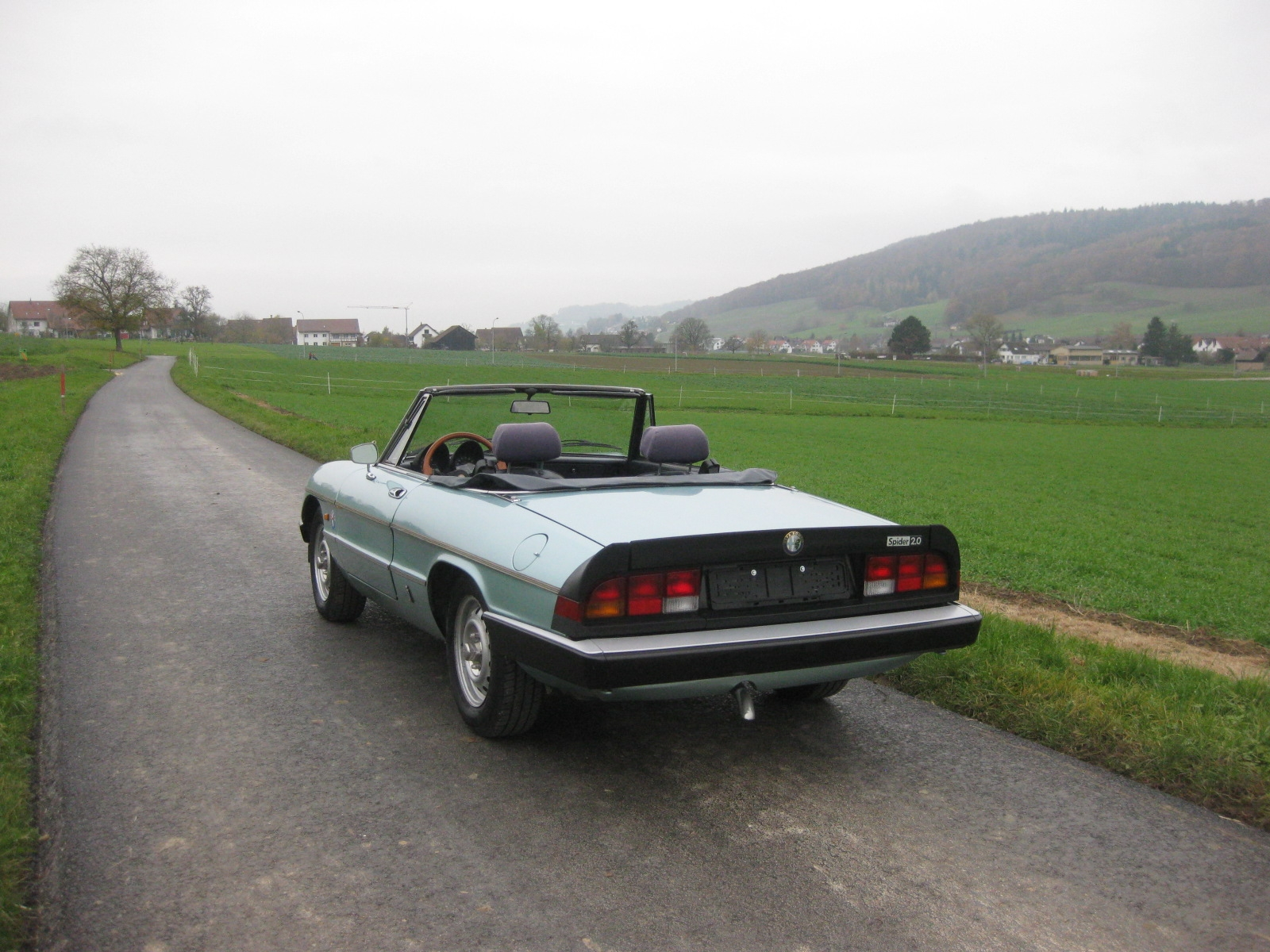 touring garage ag alfa romeo spider 2 0 cabriolet 1984. Black Bedroom Furniture Sets. Home Design Ideas