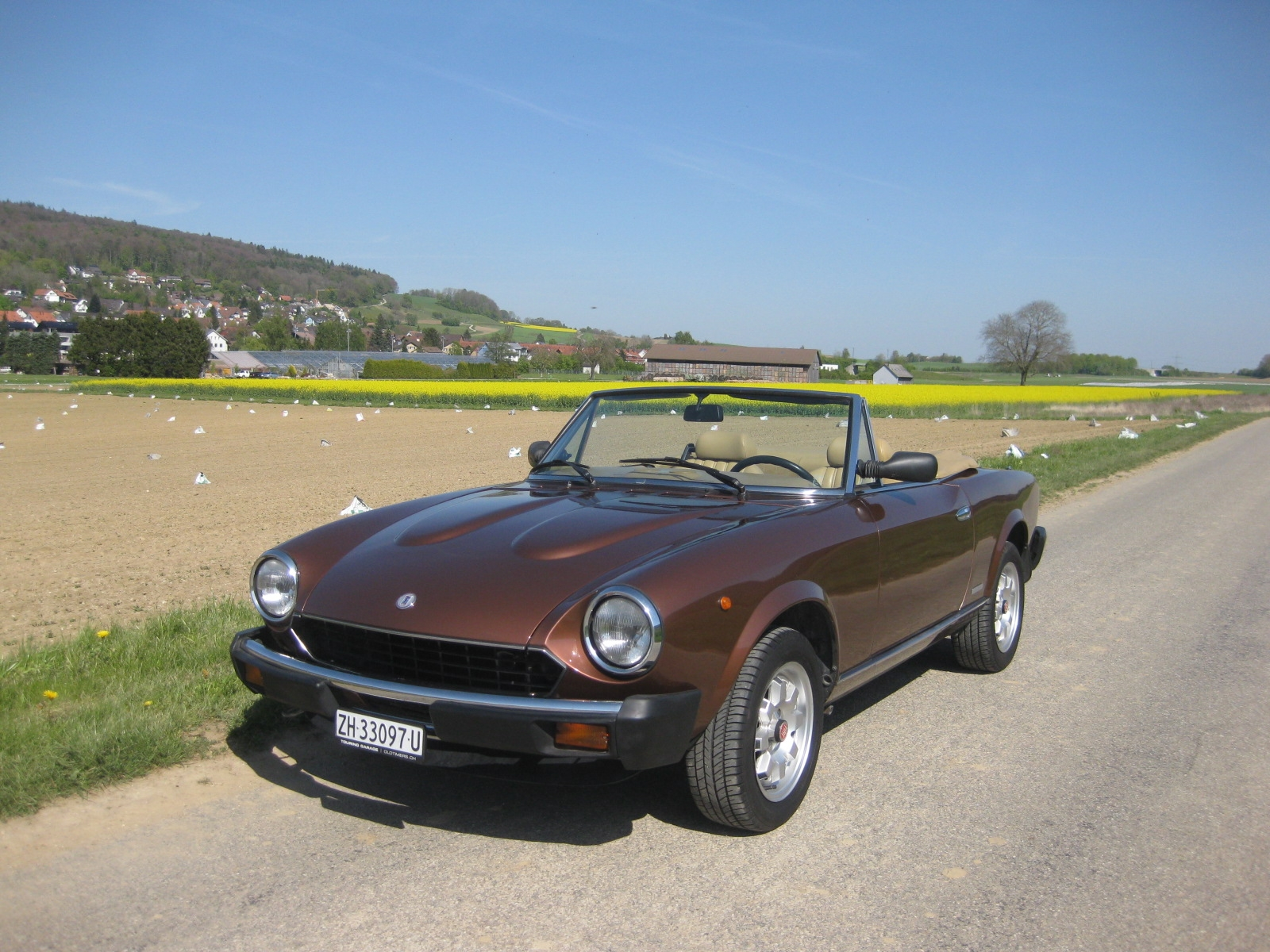 touring garage ag fiat 124 spider cabriolet 1983. Black Bedroom Furniture Sets. Home Design Ideas